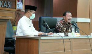 Pimpinan dan Anggota Pansus IV DPRD Provinsi Jawa Barat Saat Rapat Kerja Dengan Kantor Dinas Perpustakaan dan Arsip Kota Bekasi