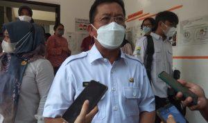 Sekda Kota Bandung, Ema Sumarna usai monitoring simulasi PTM terbatas di SD Gagas Ceria. (Foto: Nurrani Rusmana/Jabar Ekspres)