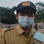 Sekretaris Camat Cikancung Aries R Maolani di Alun-alun Cikancung, Rabu (16/6). (Yanuar Baswata/Jabar Ekspres)