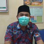 Kepala Seksi Kesejahteraan Desa Rancaekek Wetan, Agus Ubaidillah saat ditemui di ruangannya, Kamis (24/6). (Yanuar Baswata/Jabar Ekspres)