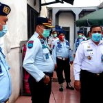 Kepala Kantor Wilayah Kemenkumham Jabar Taufiqurakhman sedang meninjau langsung Lapas Kota Tasikmalaya.