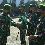 Pangdam III Siliwangi menyerahkan bantuan sosial berupa Paket Sembako untuk disalurkan kemasyarakat yang terkena dampak PPKM.