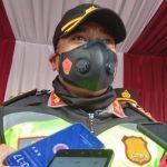 Kapolres Sumedang, AKBP Eko Prasetyo Robbyanto di pos penyekatan Parakanmuncang, Kecamatan Cimanggung, Kabupaten Sumedang pada Sabtu (24/7). (Yanuar Baswata/Jabar Ekspres)
