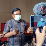 Ketua Alumni Muda Universitas Padjadjaran Bandung Fuad Rinaldi Saat ditemui Wartawan, Kamis(1/7). Foto : Boy Darmawan / Jabar Ekspres.