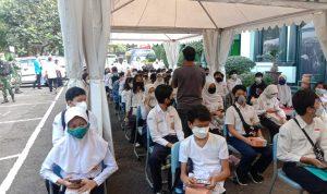 ILUSTRASI: Vaksinasi pelajar di Kota Bandung, belum lama ini. (Sandi Anugrah/Jabar Ekspres)