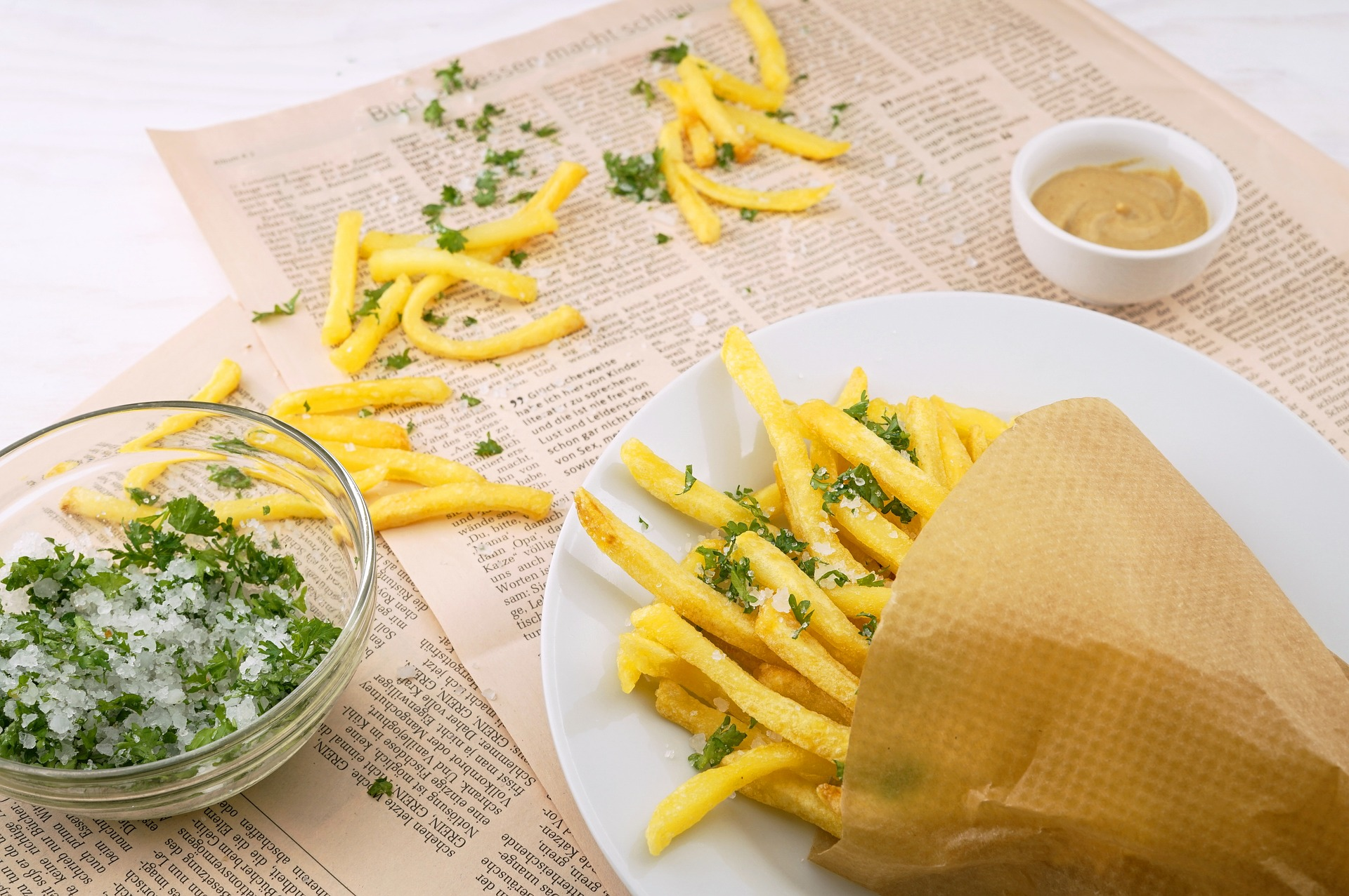 Makanan cepat saji (Ilustrasi: Pixabay)