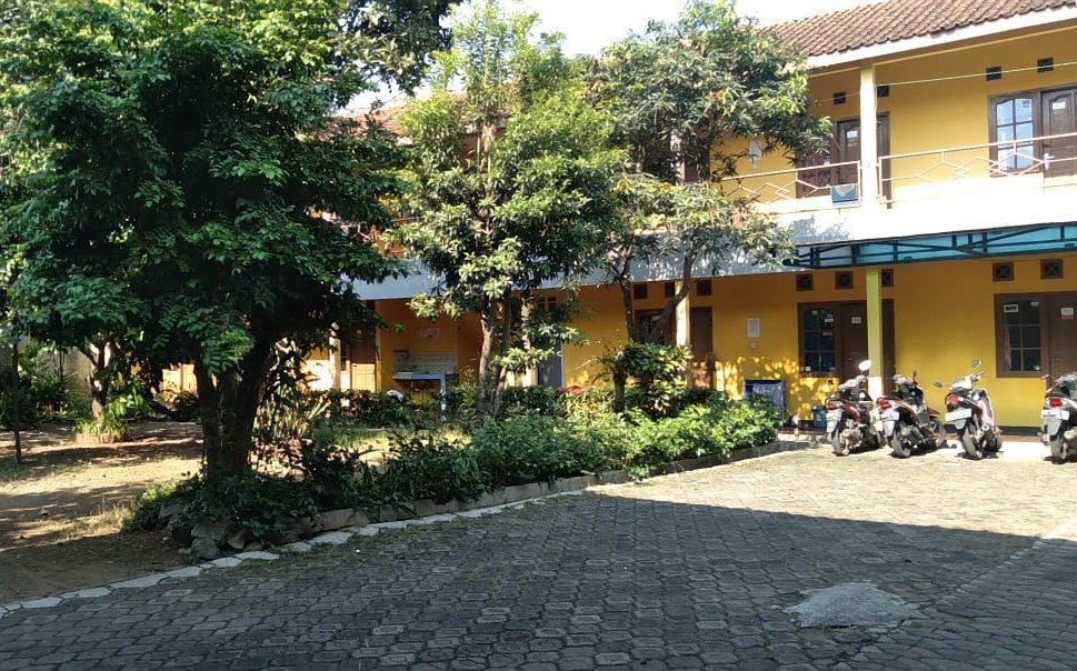 Kos-kosan Yayat Supangat di Desa Cikeruh, Kecamatan Jatinangor, Kabupaten Sumedang, Jumat (17/9). (Yanuar Baswata/Jabar Ekspres)