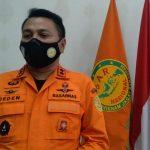 Kepala Basarnas Kantor SAR Bandung, Deden Ridwansah di ruang kerjanya, Kamis (23/9). (Yanuar Baswata/Jabar Ekspres)