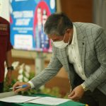 Kepala DPMD Prov Jabar Dicky Saromi memberikan sambutan pada acara Serah Terima Jabatan Kepala BPSDM Prov Jabar kepada Hery Antasari.