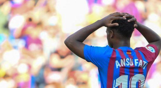 Gelandang serang Barcelona asal Spanyol, Ansu Fati saat bermain di laga El Clasico lawan Real madrid di Camp Nou pada 24 Oktober 2021. ANTARA/AFP/LLUIS GENE.