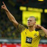 Penyerang Borussia Dortmund Erling Haaland merayakan gol keduanya ke gawang Union Berlin dalam laga lanjutan Liga Jerman di Stadion Signal Iduna Park, Dortmund, Jerman, Minggu (19/9/2021). (ANTARA/REUTERS/Leon Kuegeler)