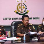 Asisten Tindak Pidana Khusus Kejati Jabar Riyono SH, M. Hum sedang memberikan keterangan terkait dugaan korupsi BUMN PT PG Rajawali II