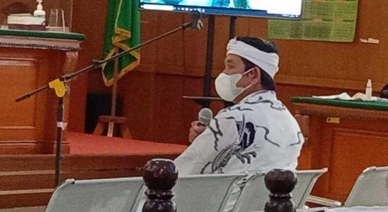 Dedi Mulyadi menghadiri sidang sebagai saksi untuk dimintai keterangannya terkait kasus suap Ade Barkah dan Siti Aisyah (foto: Sandi Nugraha/Jabareskpres.com)
