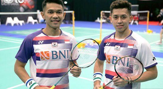 (kiri kanan) Pasangan Fajar Alfian/Muhammad Rian Ardianto menjadi ganda putra Indonesia keempat yang lolos ke babak 16 besar Denmark Open 2021 setelah memastikan kemenangan atas Lu Ching Yao/Yang Po Han dari Taiwan, Rabu (20/10/2021, 12:57 WIB). ANTARA/Twitter/@INABadminton/pri.