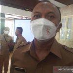 Kepala Dinas Kesehatan Kabupaten Indramayu Deden Boni Koswara di Indramayu, Jawa Barat, Selasa (12/10/2021). (ANTARA/Khaerul Izan)
