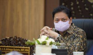 Menteri Bidang Perekonomian Airlangga Hartarto ketika menggelar Rapat Kerja Terbatas (RATAS)