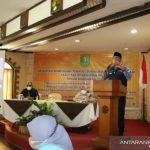 Wali Kota Sukabumi Achmad Fahmi saat berbicara pada pelatihan UMKM untuk penggunaan sistem OSS perizinan berusaha, di Kota Sukabumi, baru-baru ini (ANTARA/HO/Diskominfo Kota Sukabumi)