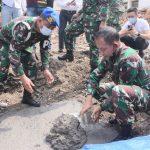 Kasdam III/Slw Brigjen TNI Darmono Susastro meletakan batu pertama pembangunan tahanan militer