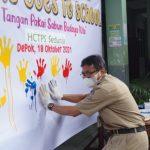 Kepala Sekolah SMPN 9 Depok, Paeran. (Diskominfo)