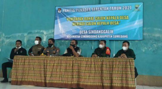 Forkopimcam dan panitia pilkades saat proses penetapan bakal calon menjadi calon kepala desa di Desa Sindanggalih, Kecamatan Cimanggung, Kabupaten Sumedang, beberapa waktu lalu.