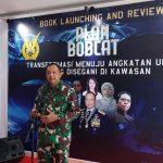 Marsekal TNI Fadjar Presetyo, saat menjelaskan soal buku Plan Bobcat hasil karyanya yang dilaunching di Seskoau Lembang.
