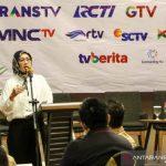 Bupati Purwakarta saat berbicara pada lokakarya pemukihan ekonomi yang diadakan Ikatan Jurnalis Televisi Indonesia Koordinatoriat Daerah Purwakarta, Subang, dan Karawang (IJTI Purwasuka) di Purwakarta, Selasa (26/10/2021) (ANTARA/HO/Diskominfo Purwakarta)