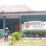 Markas Menwa UNS ditutup sementara waktu usai kasus meninggalnya mahasiswa saat mengikuti Diklatsar Menwa. ANTARA/Aris Wasita